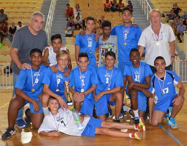 5_06_105 M15 garcons equipe 2015-2016 championne